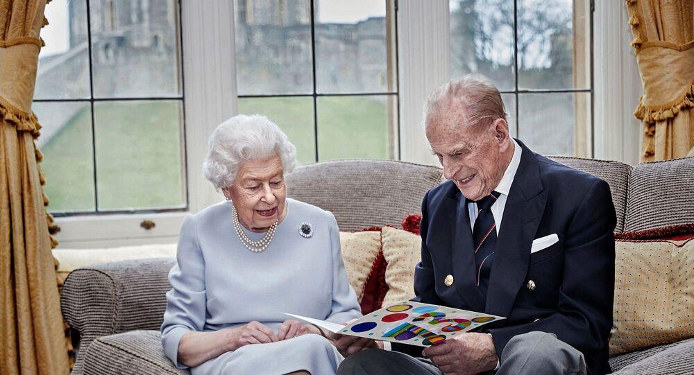 İngiltere Kraliçesi 2. Elizabeth ile eşi Prens Philip
