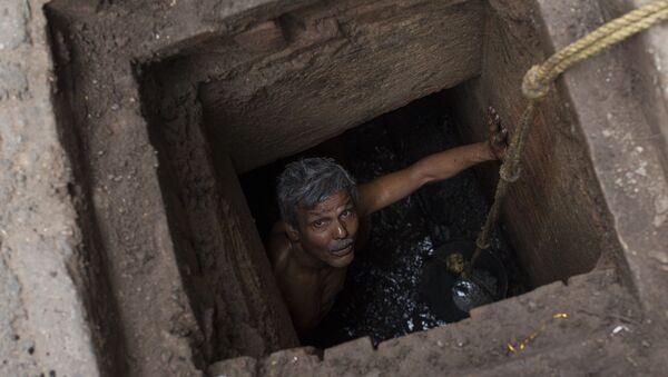 Hindistan - kanalizasyon - manüel temizlik - Sputnik Türkiye