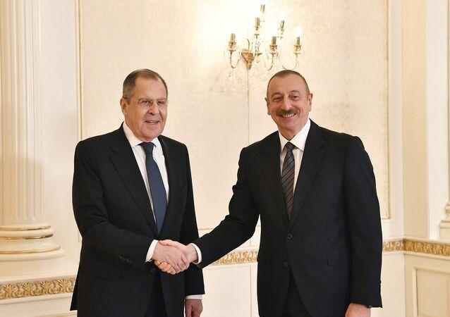 """Rusya Dışişleri Bakanı Sergey Lavrov, Bakü'de Azerbaycan Cumhurbaşkanı İlham Aliyev tarafından kabul edildi. Lavrov, """"Türkiye bizim birçok yönden ortağımız"""" dedi."""