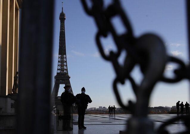 Fransa, Eyfel Kulesi, Fransa polisi