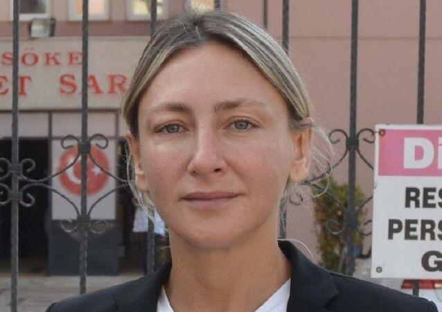 Darbedilen kadın banka müdürü