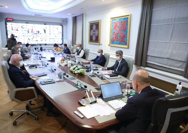 İçişleri Bakanı Soylu başkanlığında Koronavirüs Değerlendirme toplantısı yapıldı