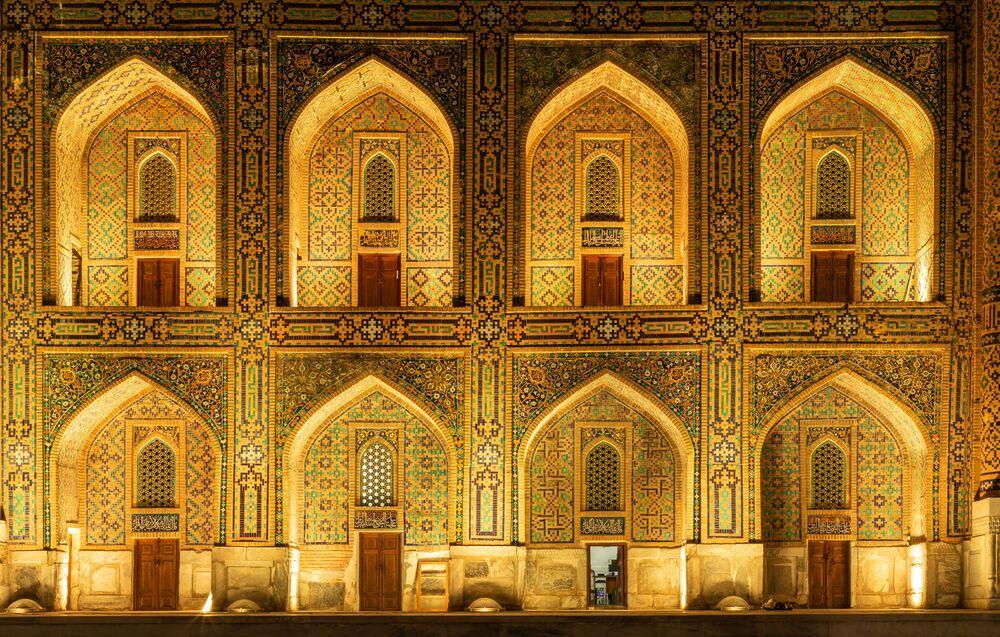 2020 Tarihi Mekanlar Fotoğrafçılık Yarışması'nın finalistlerinden fotoğrafçı Jean-Claude Thelen'in çalışmasında Özbekistan'ın Semerkant   şehrinde bulunan 1646 -1660 yılları arasında inşa edilmiş Tillya-Kari Medresesi  görüntülendi