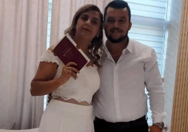 28 yaşındaki kadın, düğününden 4 gün sonra koronavirüs nedeniyle hayatını kaybetti