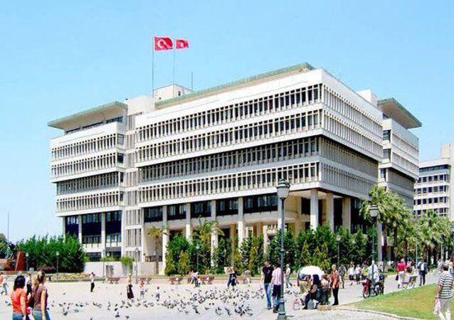 İzmir Büyükşehir Belediye binası
