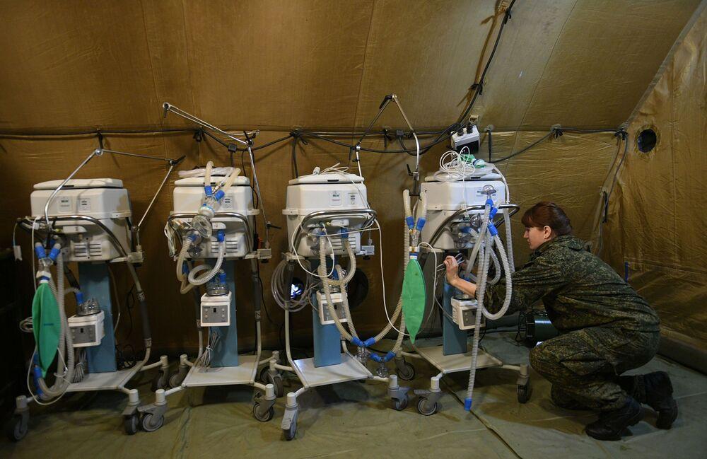 Sahra hastanesinde yoğun bakım üniteleri, laboratuvar teşhis odası, ameliyathane, diş ve göz hastalıkları biriminin bulunduğu belirtildi