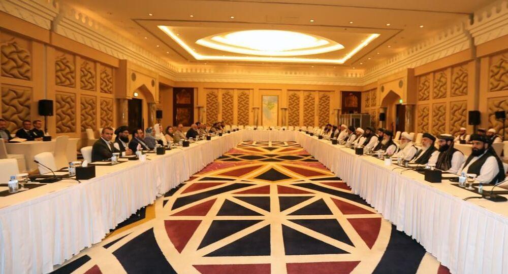Afganistan hükümeti ve Taliban temsilcilerinin, Katar'da yürüttükleri Afganlar arası barış müzakereleri