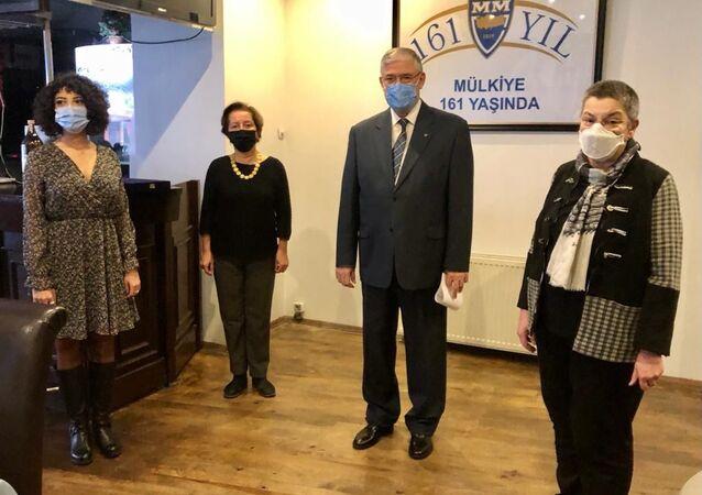 Her yıl Ankara Üniversitesi Siyasal Bilgiler Fakültesi'nin (Mülkiye) kuruluş günü olan 4 Aralık'ta verilen Vefik Kitapçıgil Kamu Hizmeti Ödülü'ne bu yıl Türk Tabipleri Birliği layık görüldü.