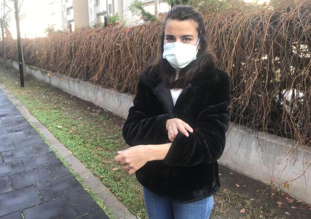 Avcılar'da geçtiğimiz günlerde aile sağlığı merkezinde maske takmadığı için uyarılan kadın, kadın doktoru darp edip hakaretler savurarak Elimde kalırsın dedi.