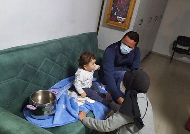 Nevşehir'de düdüklü tencereye sıkışan bebeği itfaiye çıkardı