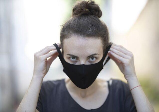 Siyah maske - maske - koronavirüs