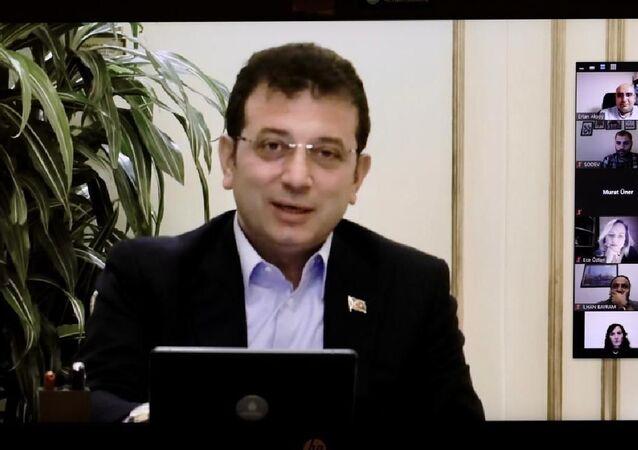 İstanbul Büyükşehir Belediye (İBB) BaşkanıEkrem İmamoğlu, Sosyal Demokrasi Vakfı (SODEV) Yerel Yönetimler Okulu'nun kapanış dersini verdi.