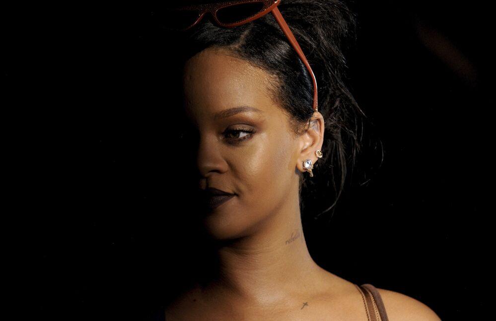 Sanat dünyasından dnyaca ünlü Barbadoslu şarkıcı Rihanna ise 69. oldu.