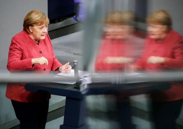 Almanya Başbakanı Angela Merkel, Federal Meclis Genel Kurulu'nda 2021 bütçesi görüşmeleri sırasında konuşurken