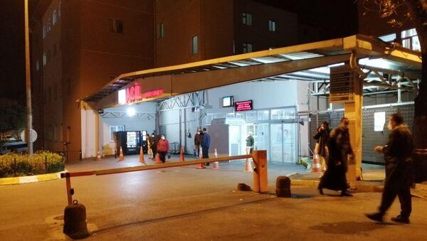 Yemekten zehirlenen 200 işçi hastaneye kaldırıldı - Sputnik Türkiye