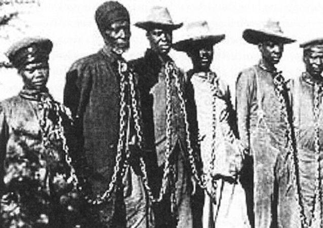 Almanya imparatorluk dönemine denk gelen 1904-1908 arasında Namibya'da sömürgeciliğe karşı isyan eden 100 binden fazla kişiyi katletti: Namibya soykırımından bir fotoğraf...