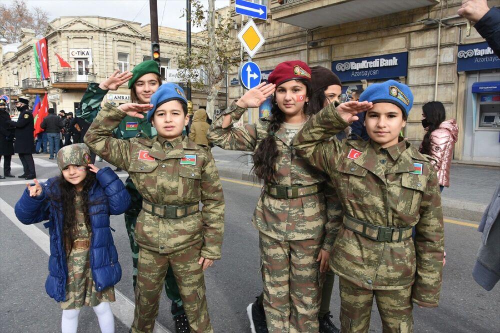 Tören, sunucunun, Yaşasın Azerbaycan. Yaşasın muzaffer Azerbaycan ordusu. Yaşasın sarsılmaz ve ebedi Türkiye-Azerbaycan kardeşliği sözleriyle sona erdi.