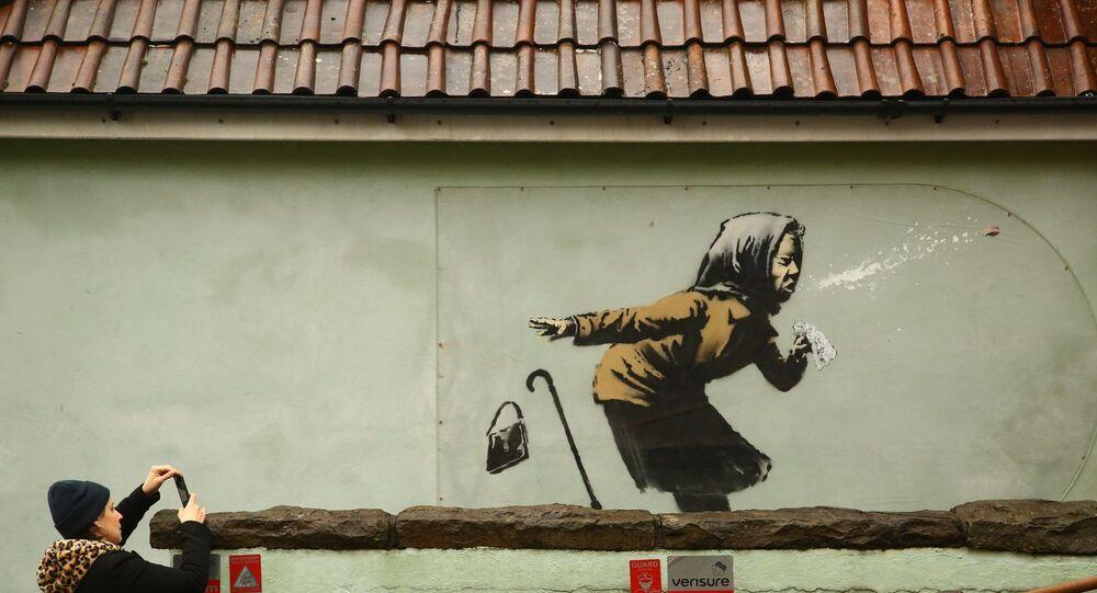 Banksy'nin 'hapşu adlı grafitisi