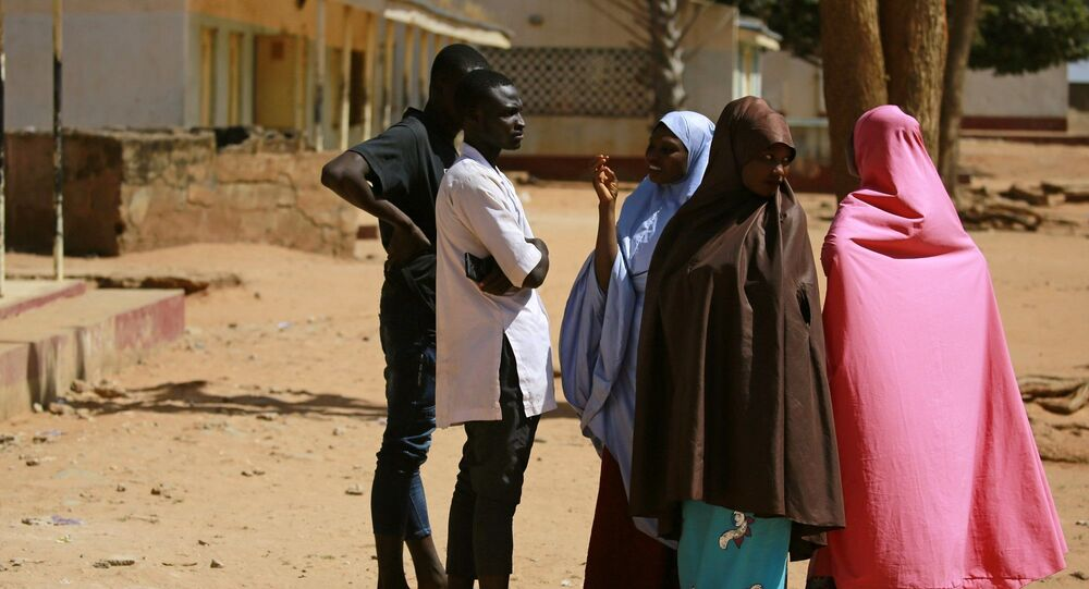 Nijerya'da kaçırılan öğrencilerin aileleri