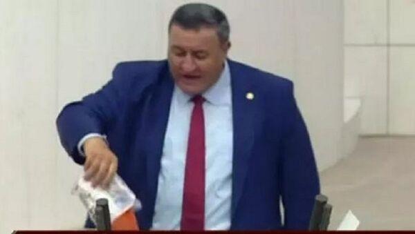 CHP Niğde Milletvekili Ömer Fethi Gürer - Sputnik Türkiye