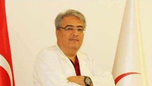 Kovid-19 tedavisi tamamlandıktan sonra rahatsızlanan doktor hayatını kaybetti - Sputnik Türkiye