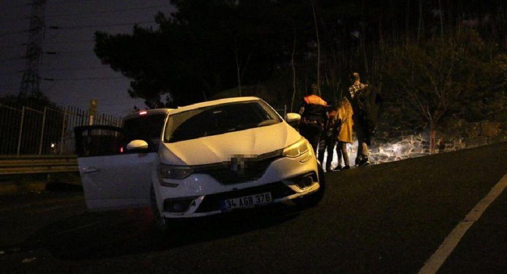 İstanbul Kağıthane'de, nişanlı çift alacaklı oldukları kişilerce gasp edildi