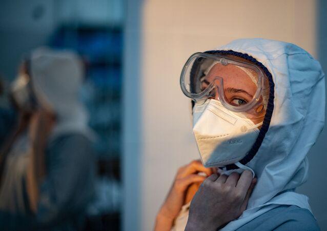 Rusya - koronavirüs - sağlık çalışanı