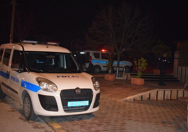 Polis aracı, gece
