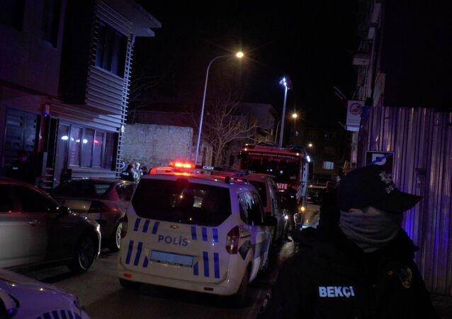 Kadıköy'de yanan araçtan 2 ceset çıktı