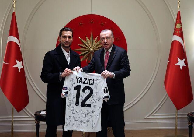 Cumhurbaşkanı Erdoğan, Milli Futbolcu Yusuf Yazıcı'yı kabul etti