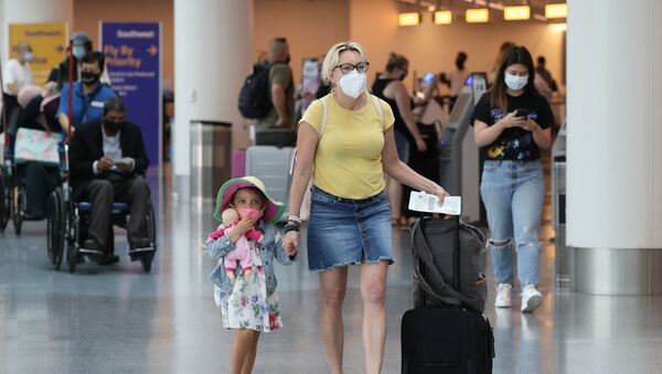 Havalimanı - ABD - maske - koronavirüs - Los Angeles - Sputnik Türkiye