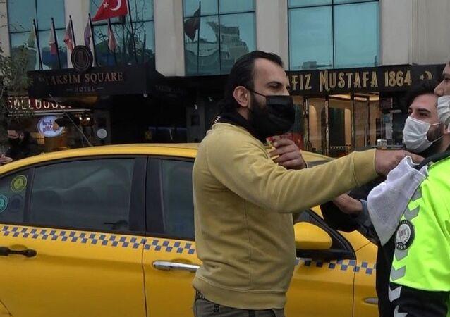 Taksim-turist-polis