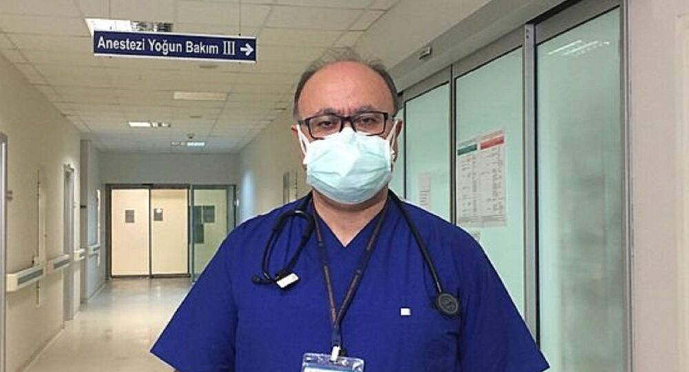 Akdeniz Üniversitesi (AÜ) Tıp Fakültesi'nden Prof. Dr. Murat Yılmaz
