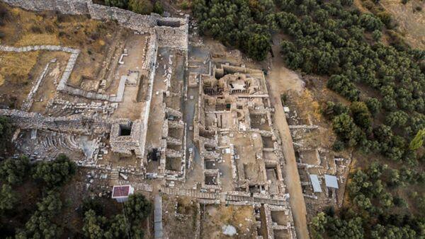 İzmir'deki Metropolis Antik Kenti kazıları - Sputnik Türkiye