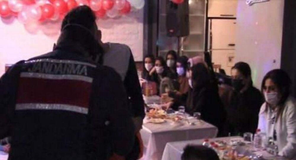 İstanbul Silivri'de villadaki yılbaşı partisine jandarma baskını