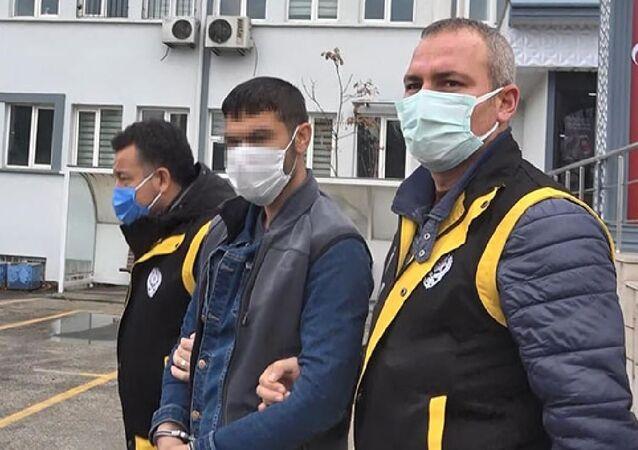 Bursa'da yeni yıla dakikalar kala tartıştığı dini nikahlı eşi Fahri K. (27) tarafından pompalı tüfekle bacaklarından vurulan Selma Taşkömür (25), tedavi gördüğü hastanede hayatını kaybetti.