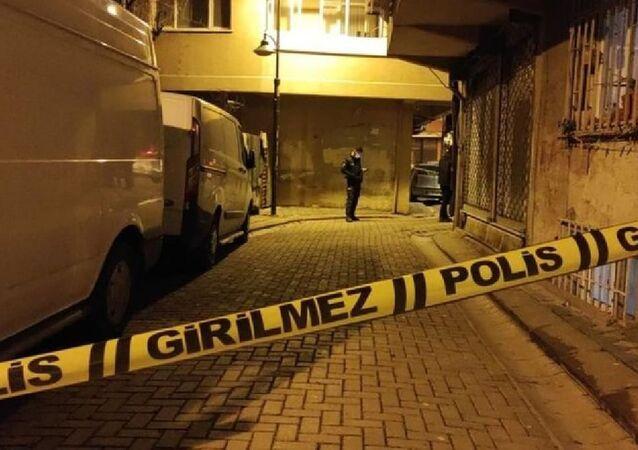 Zeytinburnu'nda 15 aylık bebek ikinci kattan düştü