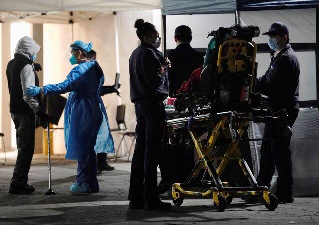 ABD - Kaliforniya - koronavirüs - hastane - acil servis