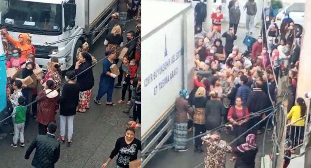 İzmir'de yardım kolisi dağıtımı