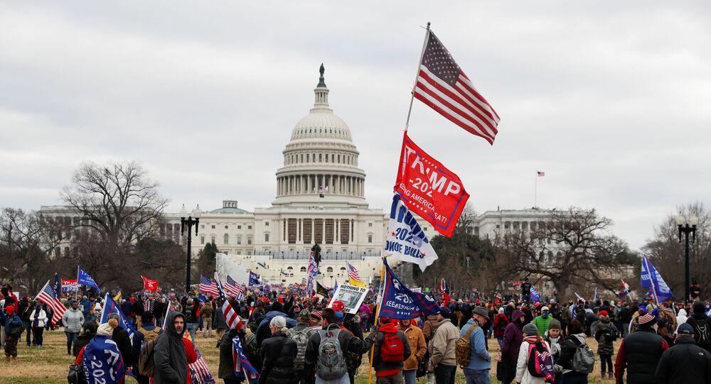 ABD'de 3 Kasım 2020'dekibaşkanlık seçim sonuçlarına görebelirlenendelege oylarının sayılıp, sonuçların resmen tescil edileceğiKongreoturumu, siyasi tartışmaların gölgesinde başladı.