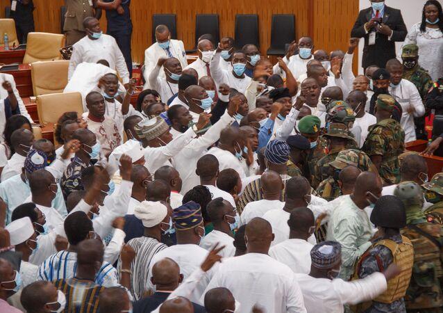 Gana parlamento