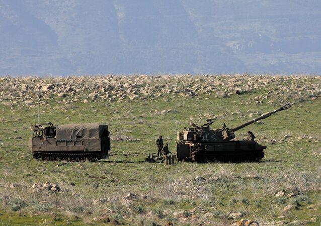 Golan Tepeleri'ndeki İsrail askerleri