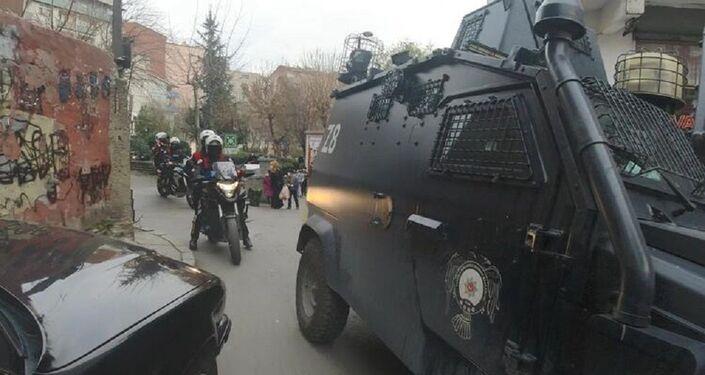 Okmeydanı'nda giriş çıkışlar kapatıldı: Polis arama noktaları oluşturdu