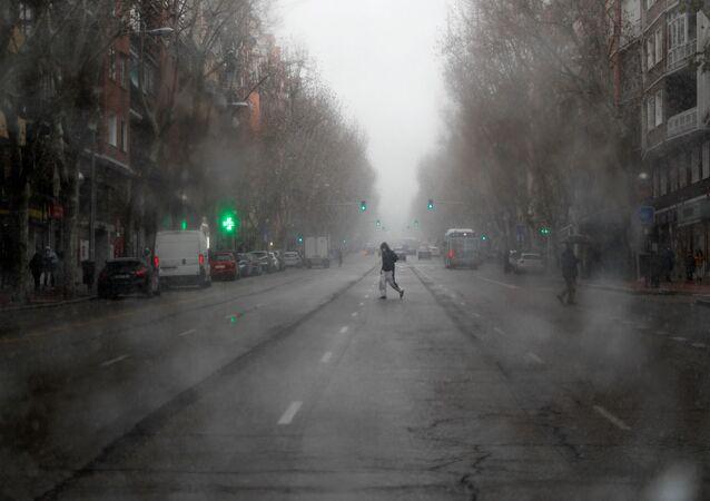 Meteoroloji uzmanları, Madrid'de son 11 yılın en yoğun kar yağışının beklendiğini ve 3 gün sürmesinin beklendiğini açıkladı.