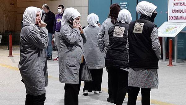 20 işçi boyadaki kimyasal gazdan zehirlendi - Sputnik Türkiye