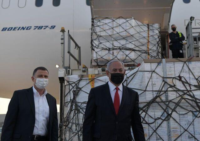 İsrail Başbakanı Benyamin Netanyahu, İsrail'i Pfizer-BioNTech tarafından geliştirilen Covid-19 aşısının yeni sevkiyatının ulaşmasının ardından yaptığı açıklamada, İsrail sağlık ve ekonomi açıdan dünyada korona krizinden çıkacak ilk ülke olacak dedi.