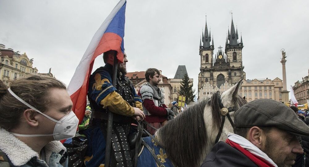 Çekya- koronavirüs- protesto