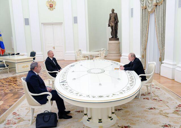 İlham Aliyev- Nikol Paşinyan- Vladimir Putin