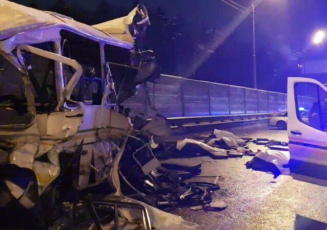 Rusya'da bir kamyon dört askeri otobüse çarptı: 4 kişi öldü, 41 kişi yaralandı
