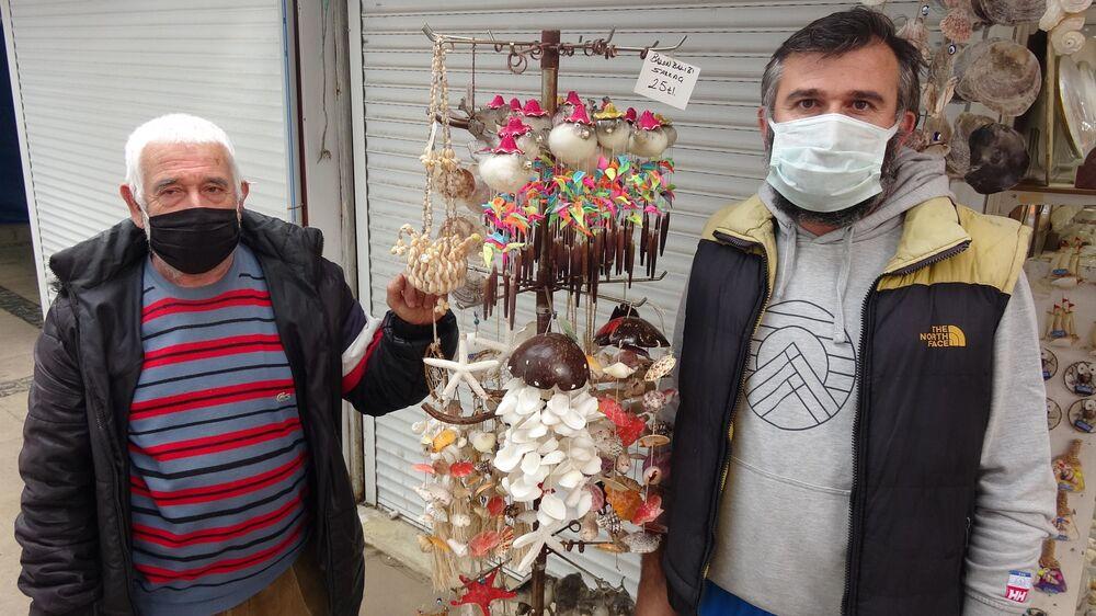 İstanbul'dan Kayseri'ye kadar çok sayıdaki kentten alıcısı olan kurutulmuş balon balıklarının fiyatı 25 liradan başlıyor.